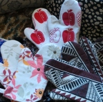 Oven Mitts by HegARTie