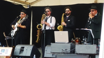 Members of the Lucky Seven swing band from Adelaide entertain the crowd at the Camperdown Cruise Rockabilly Weekend. 25 Oct. 2015. picture by J. Fawcett