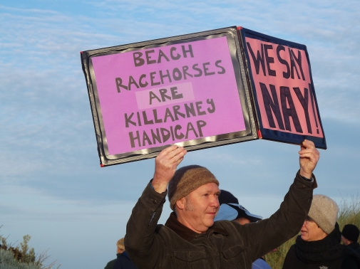bcrag-blocade-was-to-protest-racehroses-on-killarney-beach-in-south-west-vic-picture-by-j-fawcett