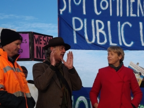 bcrag-president-bill-yates-with-spokesperson-shane-howard-am-and-senator-janet-rice-at-killarney-in-soutwest-vic