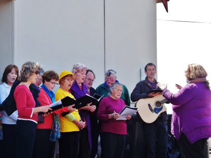 singing-praise-in-thanks-of-victorias-ban-on-fracking-crossley-hall-6-nov-2016-picture-by-j-fawcett