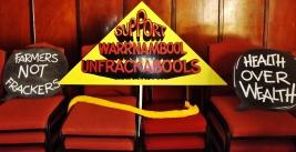 warrnambool-unfrackable-sign-by-j-fawcett-6-nov-2016